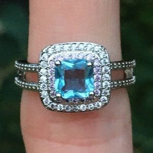 Blue/pink topaz ring
